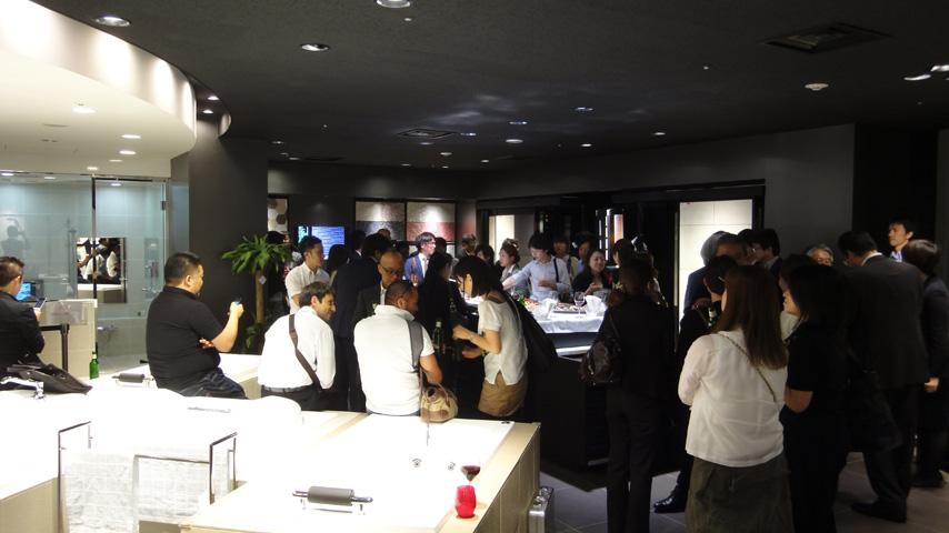 セミナー後に開催された懇親会.jpg